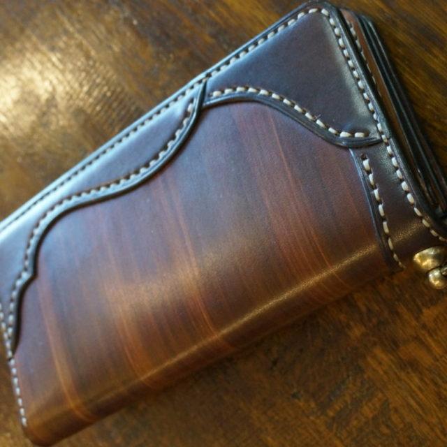 wood color wallet model image